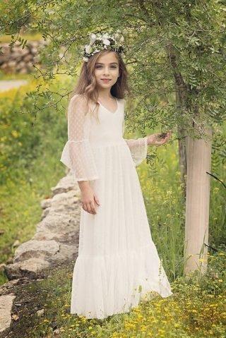 Fryzury na wesele dla dziewczynek - subtelne fale