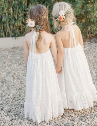 Fryzury na wesele dla dziewczynek - warkocze kłosy