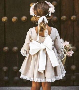 Fryzury na wesele dla dziewczynek - kucyk