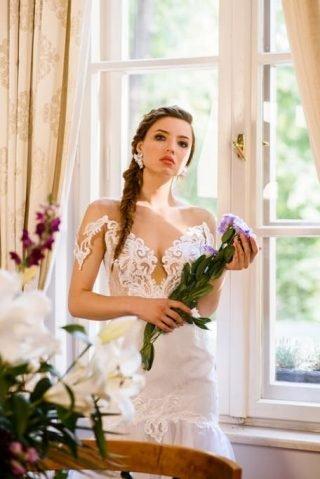 Fryzury ślubne 2020 - warkocz francuski
