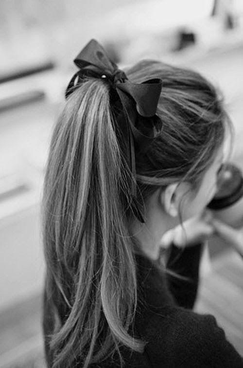 minimalistyczne fryzury ślubne 2020