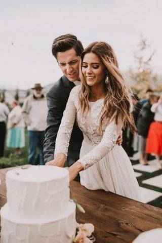 Fryzury ślubne 2020 - delikatne fale