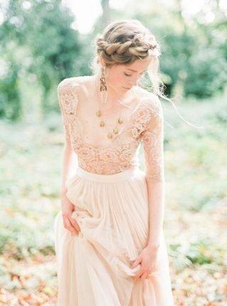 Fryzury ślubne 2020 - naturalna Panna Młoda