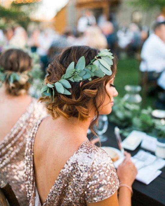 Fryzury ślubne dla świadkowej - krótkie włosy