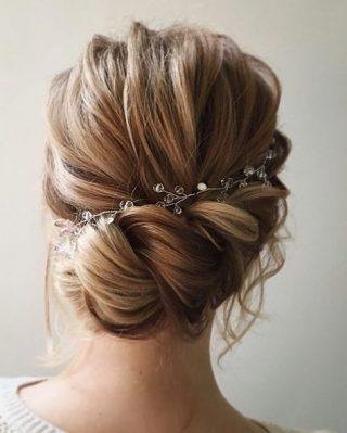 fryzura weselna w stylu boho