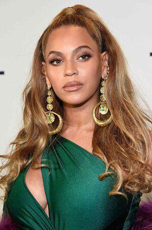fryzury weselne - twarz o kształcie okręgu