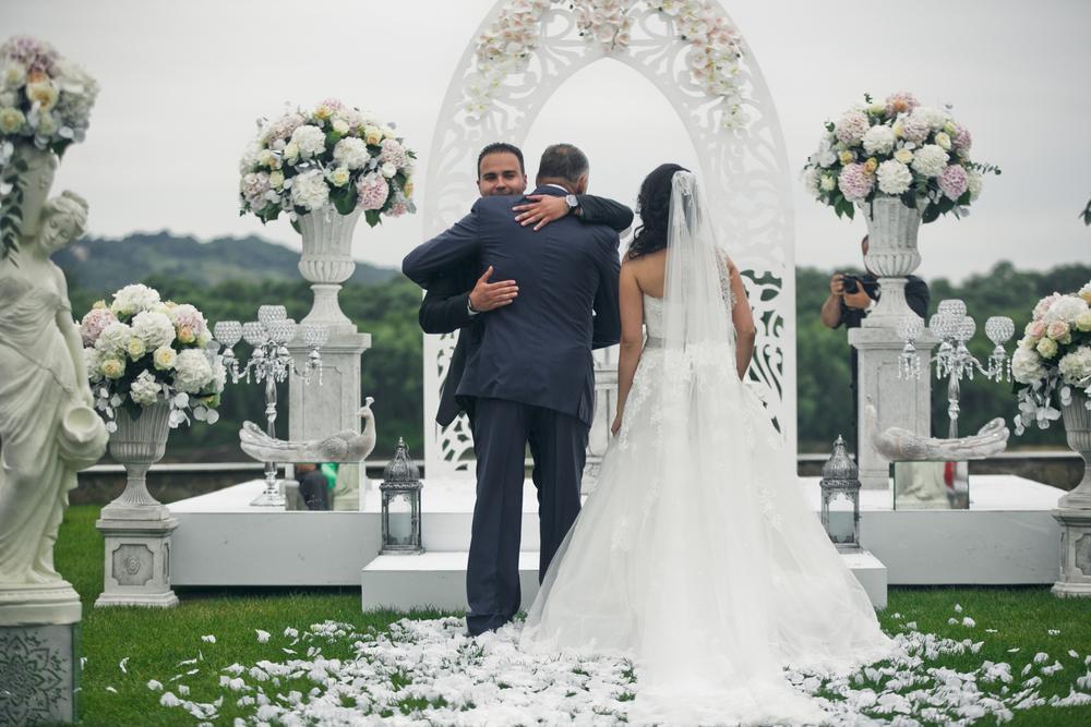 4edeaf89ca Przygotowania do ślubu i wesela to niezapomniany czas dla rodzin obojga  Nowożeńców. Wygląd