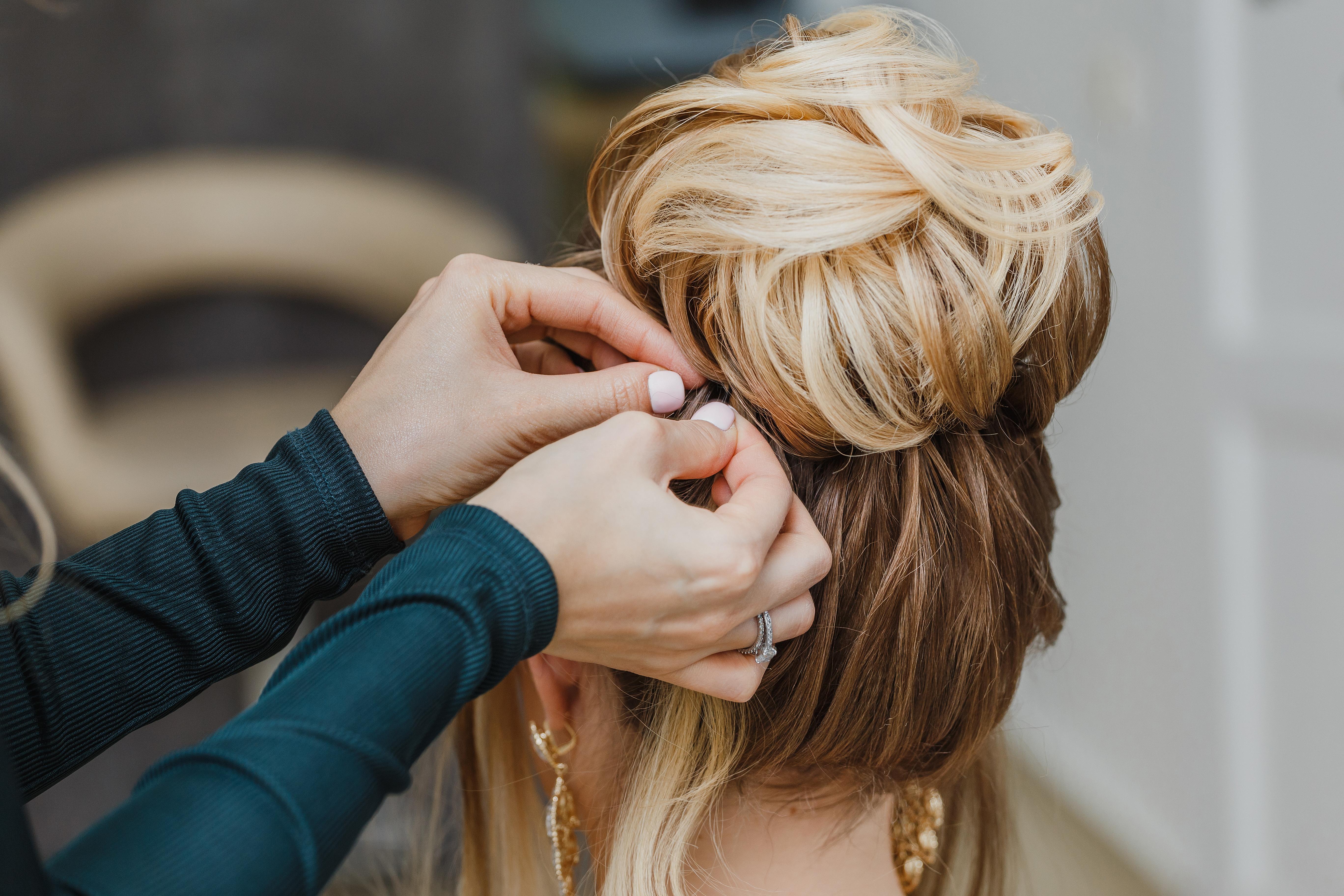 Idealna fryzura ślubna - zdjęcie 3