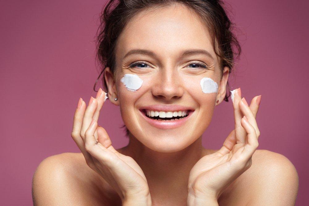Jak przedłużyć trwałość makijażu ślubnego - wskazówki