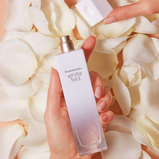 Jak wybrać perfumy na ślub - Elizabeth Arden White Tea