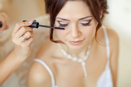 Jak wykonać prawidłowo demakijaż oka i tuszować rzęsy - zdjęcie 1