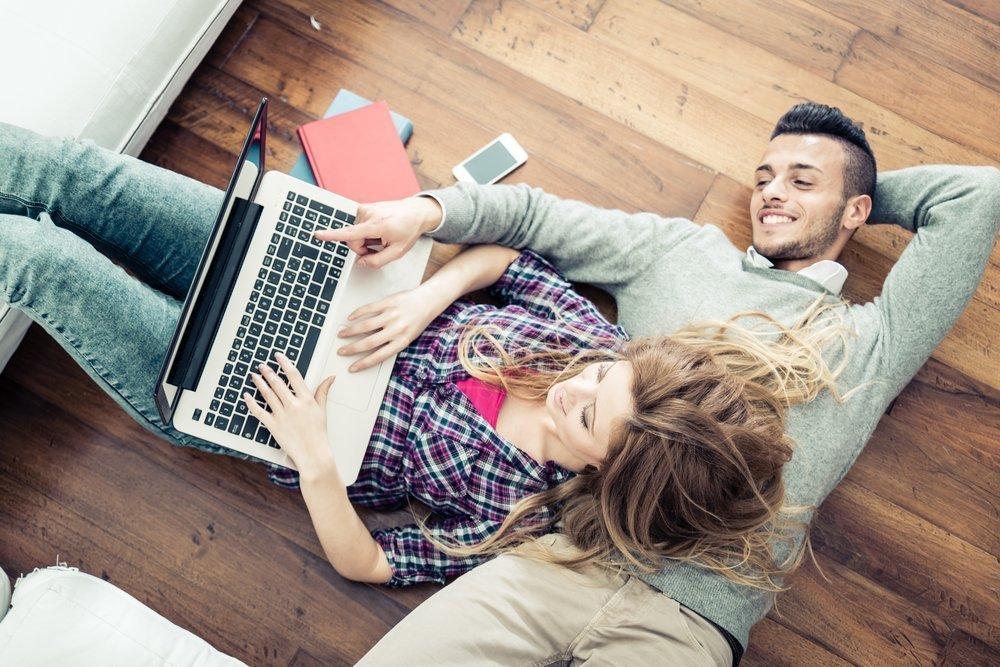 Jak zaangażować narzeczonego w przygotowania ślubne? Sposoby