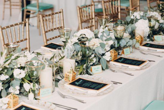 9 ważnych zasad jak zachowywać się przy weselnym stole - zdjęcie 1