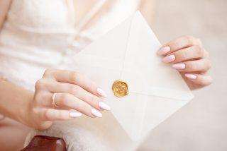 jak zaprosić na ślub znajomych z pracy - okładka