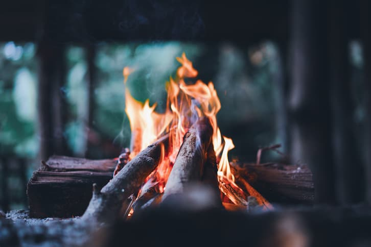wieczór kawalerski ognisko camping survival