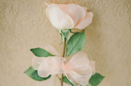 Jeden kwiat zamiast bukietu ślubnego