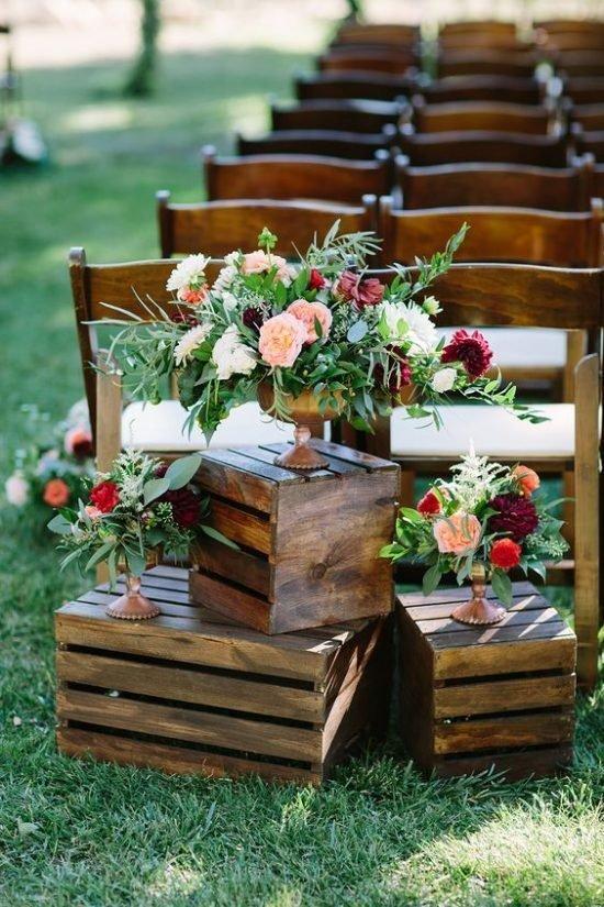 Jesienne dekoracje weselne – krzesła