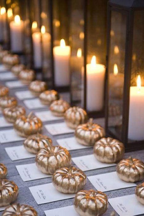 Jesienne dekoracje weselne - złote dynie