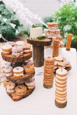 Jesienne dekoracje weselne – plastry drewna