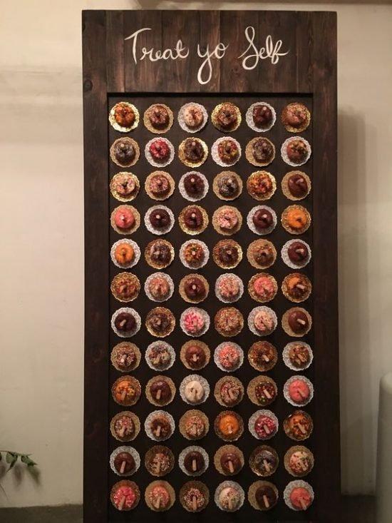Jesienne dekoracje weselne – słodki stół