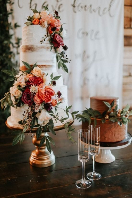 Jesienne dekoracje weselne – tort weselny