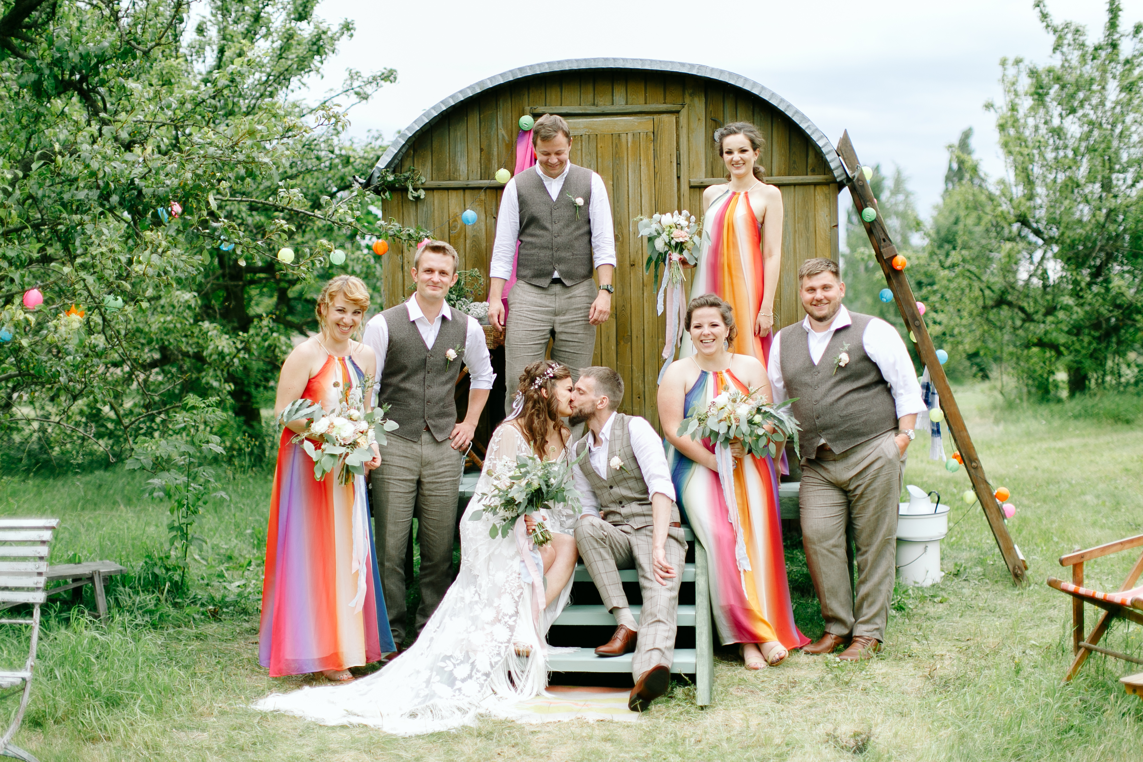 Kolor stroju gościa weselnego - co z tą bielą - Elena Matiash
