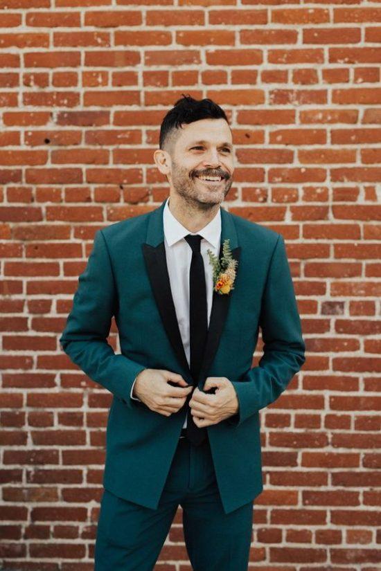 Kolorowe garnitury ślubne - zdjęcie 2