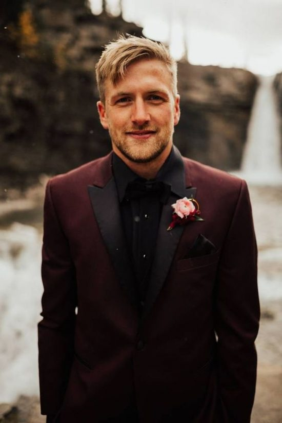Kolorowe garnitury ślubne - zdjęcie 3