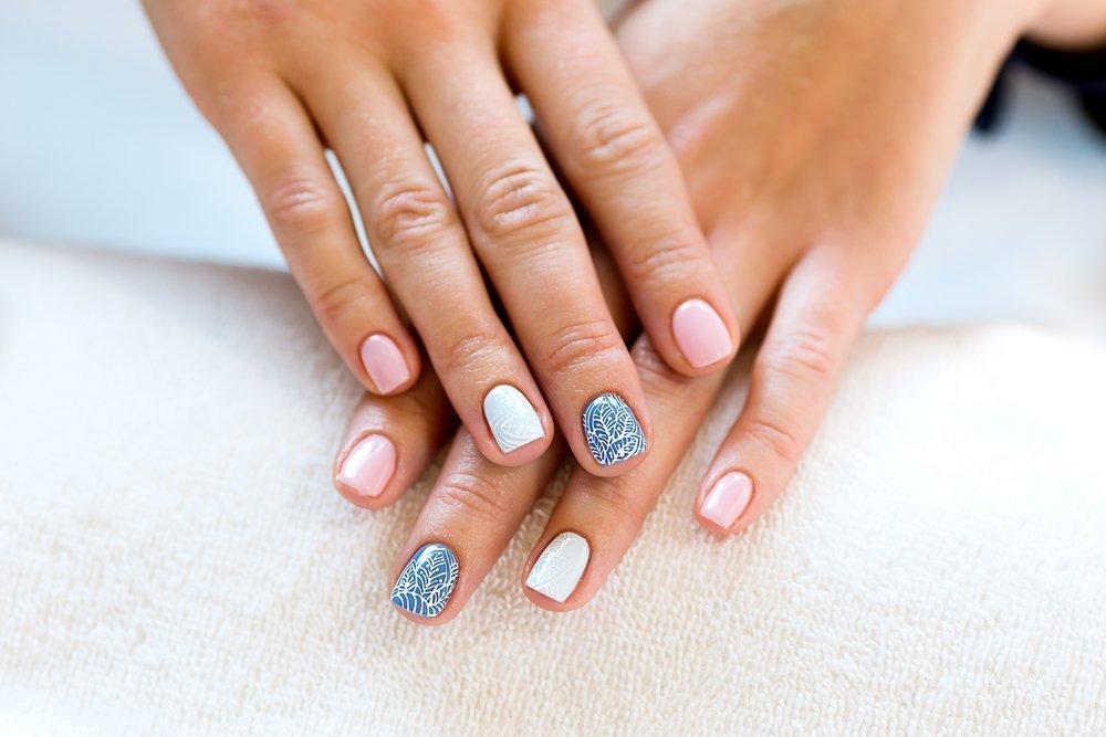 manicure ślubny - zdjęcie 2