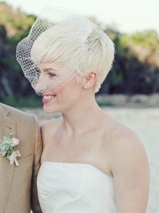 Krótkie włosy pixie - fryzury ślubne