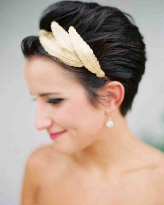 Krótkie fryzury ślubne z opaską