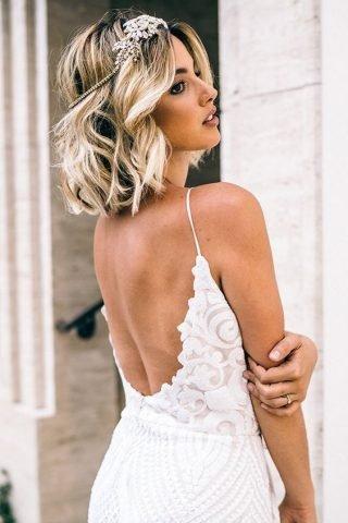 Fale z krótkich włosów - fryzury ślubne