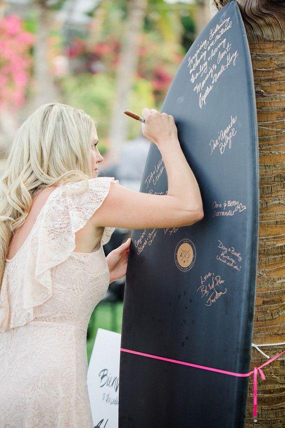 deska surfingowa jako księga gości