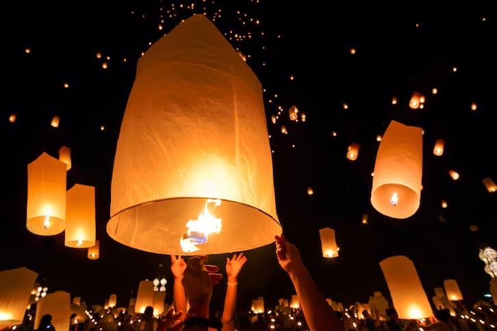 latające lampiony atrakcje na wesele
