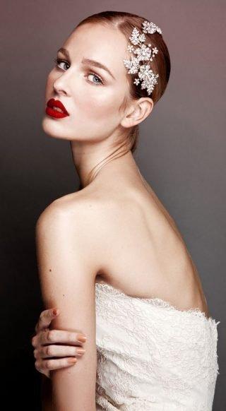 Czerwony makijaż ust
