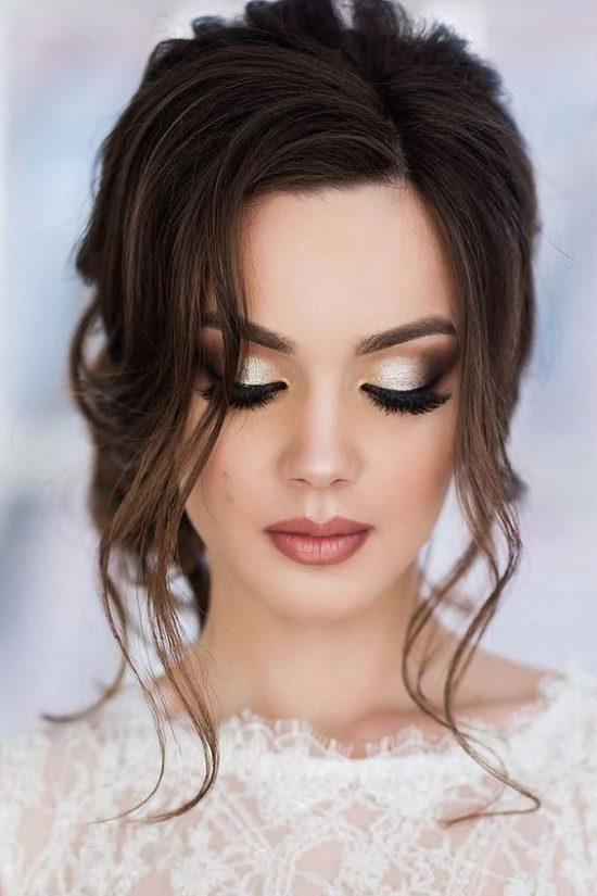 Podkreślone brwi w makijażu ślubnym