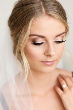 Długie rzęsy w makijażu ślubnym