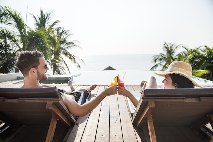 młoda para na podróży poślubnej