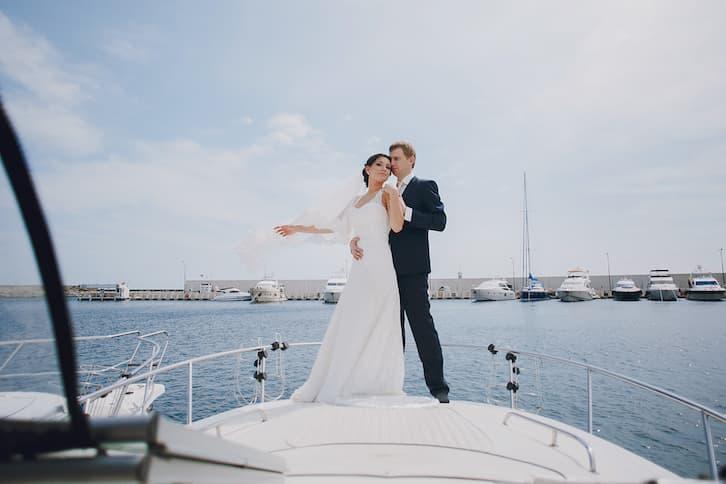 para młoda sesja na łódce