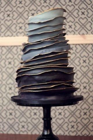 Czarny tort weselny ombre