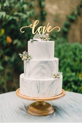 Tort weselny z efektem marmuru