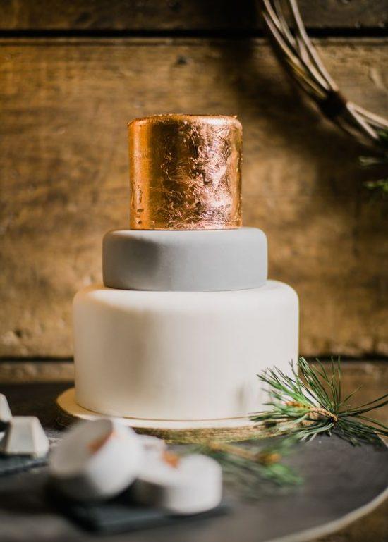 Tort weselny z miedzianą warstwą