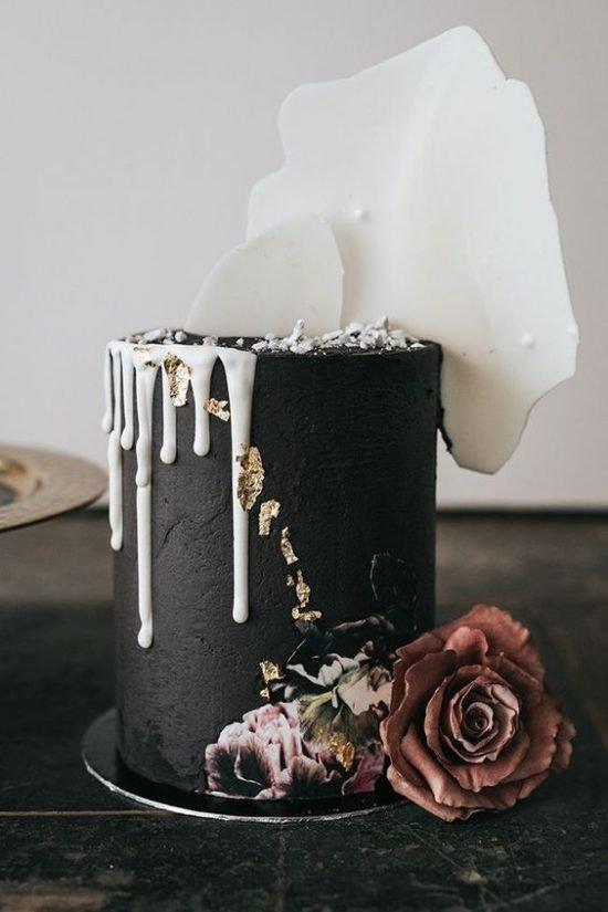 Czarno-biały tort weselny