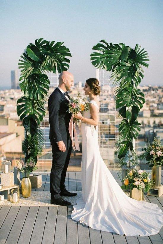 Monstera w dekoracjach weselnych - zdjęcie 7