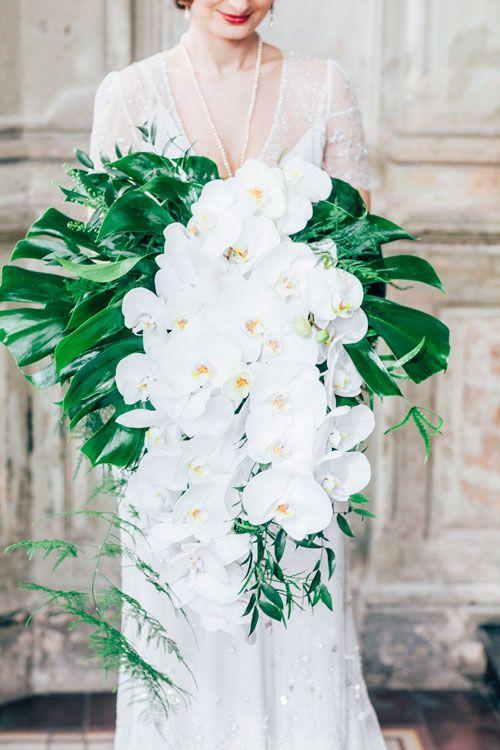 Monstera w dekoracjach weselnych - zdjęcie 8