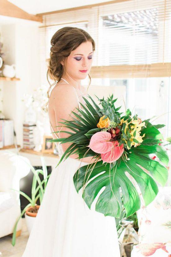 Monstera w dekoracjach weselnych - zdjęcie 28