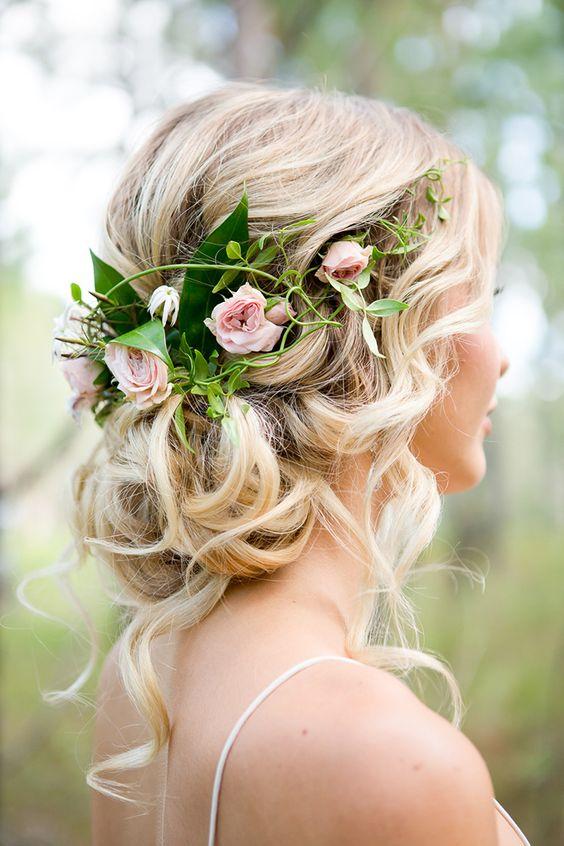 Najpiękniejsze Fryzury ślubne Z Kwiatami Kwiaty We Włosach
