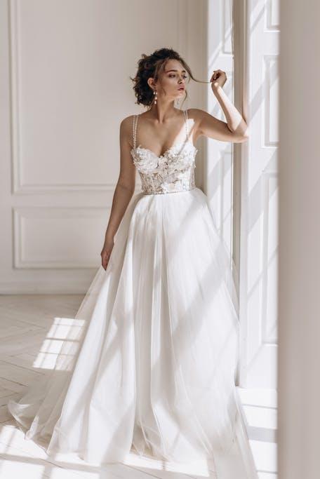 najpiękniejsze suknie ślubne 2020 - Love Story