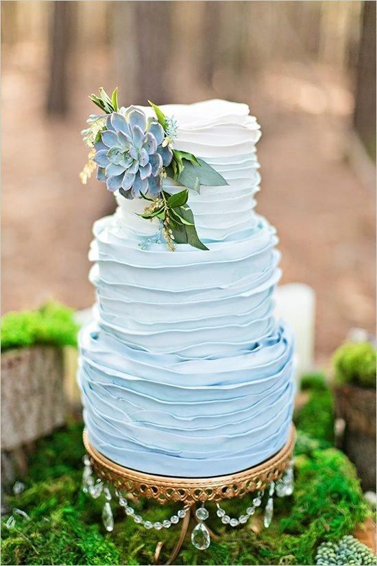 Błękitny tort weselny