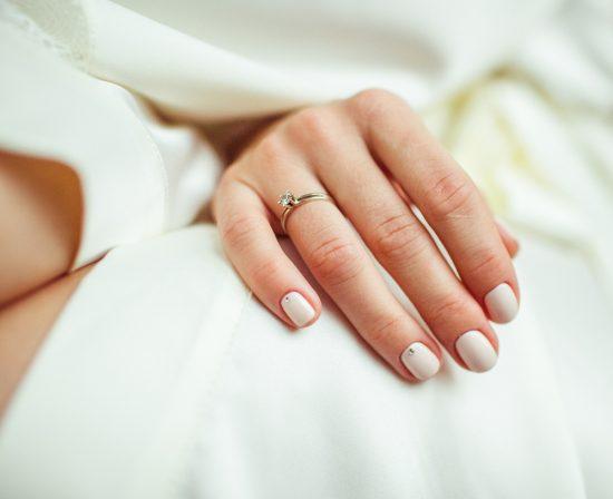 naturalny manicure ślubny - zdjęcie 2